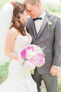 Samantha and Cody's Midwest Wedding | Grey Likes Weddings | #thebrunetteone #greylikesweddings