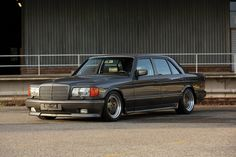 Japanese-Imported 1989 Mercedes-Benz 560 SEL AMG Hits RM Sotheby's Youngtimer Auction: Thought to be one of just 200 pre-merger iterations made. New Mercedes, Mercedes Benz Amg, Cool Sports Cars, Cool Cars, Porsche 718 Cayman, Wide Body Kits, Japanese Market, Japanese Imports, Classic Mercedes