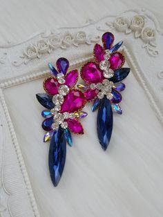 Romantic Dinners, Designer Earrings, Jewerly, Jewelry Design, Van, Brooch, Inspirational, Crown, Accessories