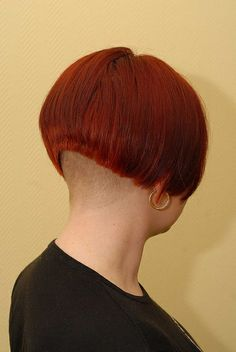 undercut Bob May Asymmetrical Bob Haircuts, Stacked Bob Hairstyles, Bun Hairstyles, Straight Hairstyles, Inverted Bob, Half Shaved Hair, Shaved Nape, Shaved Head, Medium Short Hair