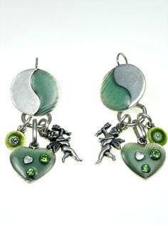 3,95 per paar Oorbellen met groene inkleuring en engeltje (klaphaak) #oorbellen #earrings