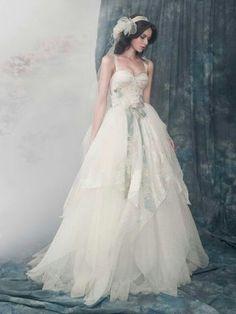 I like the bottom of the dress