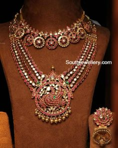 Antique Necklace - Page 3 of 22 Latest Indian Jewelry - Jewellery Designs Indian Necklace, Ruby Necklace, Ruby Jewelry, Jewelry Model, Gold Jewelry, Cartier Jewelry, Gold Necklaces, Simple Necklace, Wooden Jewelry