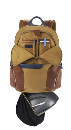 Piquadro Coleos backpack detail