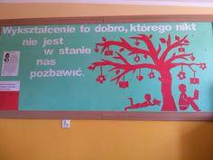 Dekoracja z okazji Dnia Edukacji Narodowej.