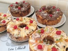 Receita de Bolo de Natal Cupcakes, Cake Cookies, Cupcake Cakes, Christmas Bread, Christmas Desserts, Sweet Recipes, Cake Recipes, Bunt Cakes, Cake Videos