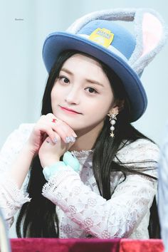 170909 PRISTIN Kyulkyung #프리스틴 #주결경 #WeLike South Korean Girls, Korean Girl Groups, Ioi Pinky, Pledis Girlz, Crop Photo, Fandom, Cosmic Girls, Tumblr Girls, Kpop Girls