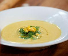 Sehr fein und frisch im Geschmack: Die Suppe wird mit Chili, Limette und Sahne abgeschmeckt.