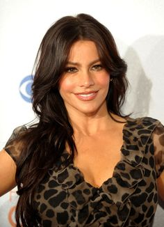 "::: CIC WEEKLY IMAGE ICON :::  Cartee Image Consultants is celebrating Sofia Vergara this week. We want to recognize Sofia for her work in the TV show ""Modern Family."" She is attractive yet funny and she has consistent sultry look. Her make up is always flawless with perfect colors chosen for completion. Funny and fabulous what an amazing combo.   (www.carteeimage.com)"