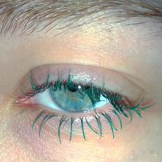 the leo is all in the mind green lashes mascara Makeup Inspo, Makeup Art, Makeup Inspiration, Beauty Makeup, Hair Makeup, Hair Beauty, Cute Makeup, Pretty Makeup, Makeup Looks