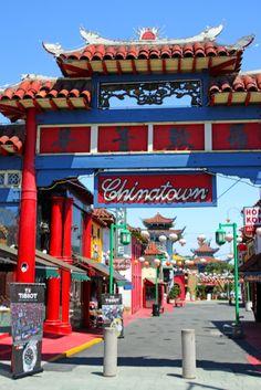 La puerta de entrada a #Chinatown, el ingreso a un #barrio culturalmente diferente, colorido y más que interesante. http://www.bestday.com.mx/Los-Angeles-area-California/Atracciones/