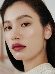 New Depth Eyeshadow_Build On Edgy Makeup, Minimal Makeup, Asian Makeup, Hair Makeup, Makeup Trends, Makeup Inspo, Makeup Inspiration, Beauty Make Up, Hair Beauty