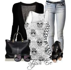 Ii like the outfit, not so sure about the shoes.This would be a good in between style everyday look ! Love Fashion, Fashion Beauty, Fashion Outfits, Womens Fashion, Mode Rock, Look Jean, Estilo Hippie, Cooler Look, Skull Fashion