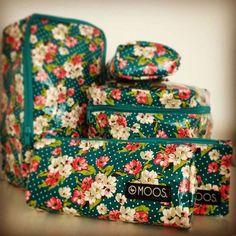 50% de descuento en toda la colección#moostrends #fashion #wellpacked #britishflowers #britishflowersmoos #neceser #neceseresmoos #complementos #complementosmoos