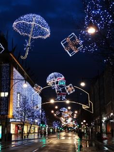 London Oxford Street on Christmas Day at 07.30 in the morning.   photo © Aybige Mert