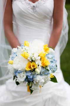 Classic Wedding at Biltmore - Belle the Magazine . The Wedding Blog For The Sophisticated Bride