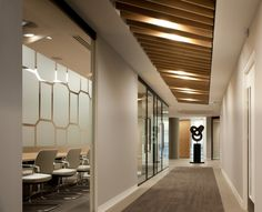 Resonate Interiors has designed a new office space in London for one of the UK's oldest law firms, Boodle Hatfield.
