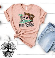 Hair Therapist Shirt / Hair dresser Shirt / Hair Stylist Shirt / Hairdresser Shirt / Cosmetologist Shirt by ClassyCactusBoutique on Etsy Vintage Makeup, Hair Stylist Shirts, Screen Printing Shirts, Shirt Hair, Independent Women, Cosmetology, Printed Tees, Direct To Garment Printer, Bella Canvas