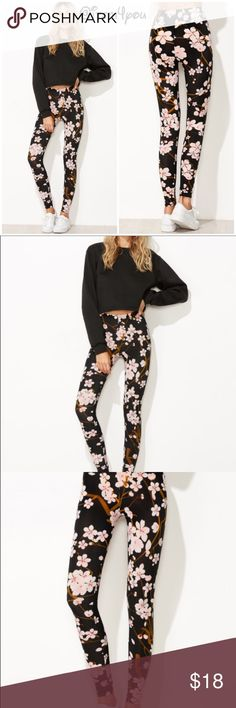 Preorder Trendy Black floral print leggings Preorder  Material : Polyester Length : Long Fabric : Fabric has some stretch Please find the measurement details image. Pants Leggings