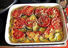 Rezept: Auflauf mit Kartoffel Zucchini und Tomaten Vegetarisch Bild Nr. 10 Vegetables, Food, Gratin, Salmon Casserole, Tomatoes, Meal, Essen, Vegetable Recipes, Hoods