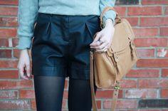 shorts de couro preto