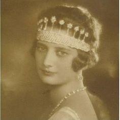 """""""MIS JOYAS REALES"""": Tiara del Imperio Belga - Casa Real de Bélgica"""