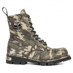 NEWROCK #MILITARY #CAMOUFLAGE BOOTSGREEN BROWN BEIG BLACK. http://www.tribugotica.com/en/newrock/391-newrock-military-camouflage-boots.html?utm_campaign=crowdfire&utm_content=crowdfire&utm_medium=social&utm_source=pinterest