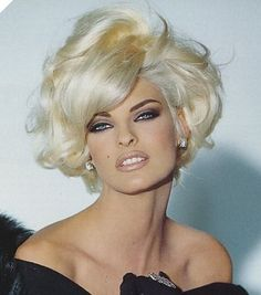 Linda Evangelista. One of my favorite and most versatile models of all time.