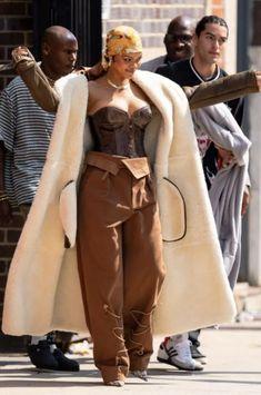 Mode Rihanna, Rihanna Style, Fashion Killa, Girl Fashion, Fashion Outfits, Rihanna Images, Looks Rihanna, Rihanna Outfits, Street Style Edgy