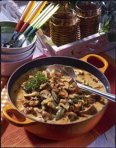 Unser beliebtes Rezept für Schnitzel-Pfeffer-Suppe à la Stroganoff und mehr als 55.000 weitere kostenlose Rezepte auf LECKER.de.