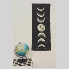 Moon wall decor #moon #walldeco #design #paint #moonposter #art #diy #luna #home #homedecor #moonphases #love #work #wip #craft #creative #top #artist #handmade #decorations #tapestry