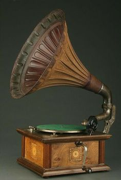 Retro Vintage, Vintage Items, Radios, Gramophone Record, Ddr Museum, Antique Radio, Record Players, Vinyl Music, Phonograph