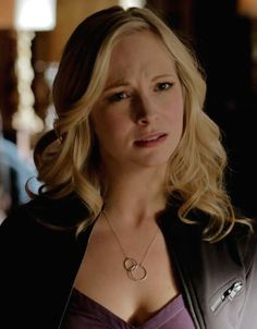 Caroline Forbes wore a Little Hill Jewelry Infinity Link Necklace on The Vampire Diaries. Shop it: http://www.pradux.com/little-hill-jewelry-infinity-link-necklace-29099?q=s3