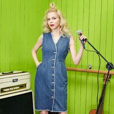 v-neck buttoned sleeveless jeans dress