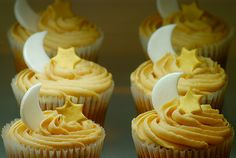 star and moon cupcakes :)