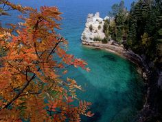 Miner's Castle, Pictured Rocks National Lakeshore, Upper Penninsula, Michigan Been there! It looks like the Caribbean Sea:) Best Vacation Destinations, Best Vacations, Lake Superior, The Places Youll Go, Places To See, Pictured Rocks National Lakeshore, Desktop, Picture Rocks, Lake Michigan