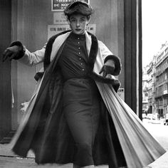 In Photos: Truly Vintage Street Style  - HarpersBAZAAR.com  BILL CUNNINGHAM  USED TO BE MY NEIGHBOR ACROSS THE STREET AT CARNEGIE HALL WHAT  A LOVELY MAN..  https://www.rubylane.com/blog/categories/vintage-collectibles/on-the-corner-of-tuby-lane-with-bill-cunningham/  Annegret von Winterfeld  #annegret212 #auctionnewyork