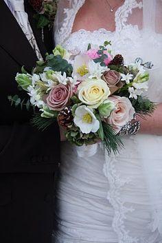 Flower Design Events: Christmas Wedding Bouquet in Antique Shades Christmas Wedding Bouquets, Christmas Rose, Elegant Flowers, Dream Wedding, Wedding Stuff, Wedding Ideas, Flower Designs, Wedding Planning, Floral Wreath