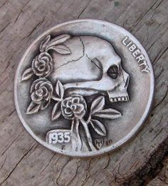 Hobo Nickels, Skull and roses Crane, Hobo Nickel, Coin Art, Skulls And Roses, Human Skull, Memento Mori, Gravure, Skull Art, Dark Art