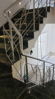 Gate Wall Design, Stainless Steel Handrail, Steel Fabrication, Stairs, House Design, Home Decor, Railings, Banisters, Stairway