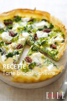 Recipe: Broccoli-goat cheese tart - You can of course make this recipe with a shortcrust pastry or puff pastry. Vegan Breakfast Recipes, Vegan Snacks, Snack Recipes, Vegetarian Recipes, Mozzarella Sauce Recipe, Broccoli, Cheese Tarts, Goat Cheese, Shortcrust Pastry