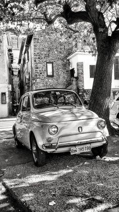 Fiat 500 in Rome, Italy Fiat Cinquecento, Fiat Abarth, Fiat 500 Black, Fiat 500 S, Fiat Cars, Roadster, Vintage Italy, Vespa, Turin