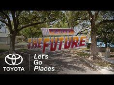 Zu Ehren des heutigen BTTF-Day haben sich Michael J. Fox und Christopher Lloyd für ein längeres Video von Toyota wieder vereint. Das fast 5 Minuten Video zeigt Michael J. Fox und Christopher Lloyd diskutierend, welche Dinge aus Zurück in die Zukunft II im Jahr 2015 Wirklichkeit wurden. Die beiden treffen bei diesem Gespräch auf einen [ ]