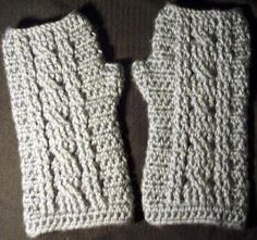 JR Crochet Designs: Free Pattern- Cable Wrist Warmer Pattern