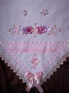 Manta bordada,tecido pique,forrada