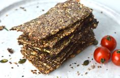 Lijnzaad crackers maken Making flax seed crackers Recipe Betty & # s Kitchen Low Carbs and glute Seed Crackers Recipe, Vegan Crackers, Healthy Breakfast Recipes, Healthy Baking, Snack Recipes, B Food, Good Food, Yummy Food, Food Challenge