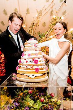 En #innovias adoramos el momento de cortar la tarta de #bodas