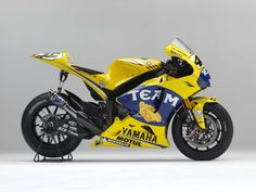 valentino-rossi-2006-yamaha-yzr-m1 right side, 2000×1500 pixels