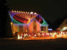 Creative way to display Christmas lights...on your roof