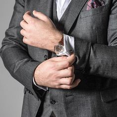 Buy luxury mechanical and automatic men's watches online. Explore the latest collection of Mens Watches at Julien de Bourg. Mens Watches Online, Automatic Watches For Men, Julien, Classy Men, Gentleman Style, Suit Fashion, Nice Dresses, Rings For Men, Suits